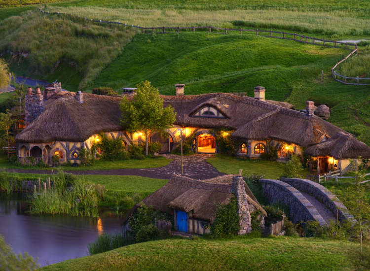 The same building used for the Green Dragon Inn in the films now serves as a restaurant and pub serving themed meals and drinks. // © 2014 Hobbiton Tours