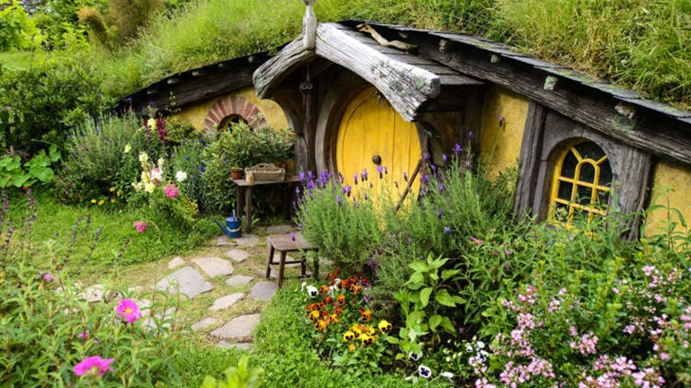"While reconstructing the Hobbiton set for the filming of ""The Hobbit"" trilogy, builders used permanent materials in order to preserve the set as a tourist destination. // © 2014 Hobbiton Tours"