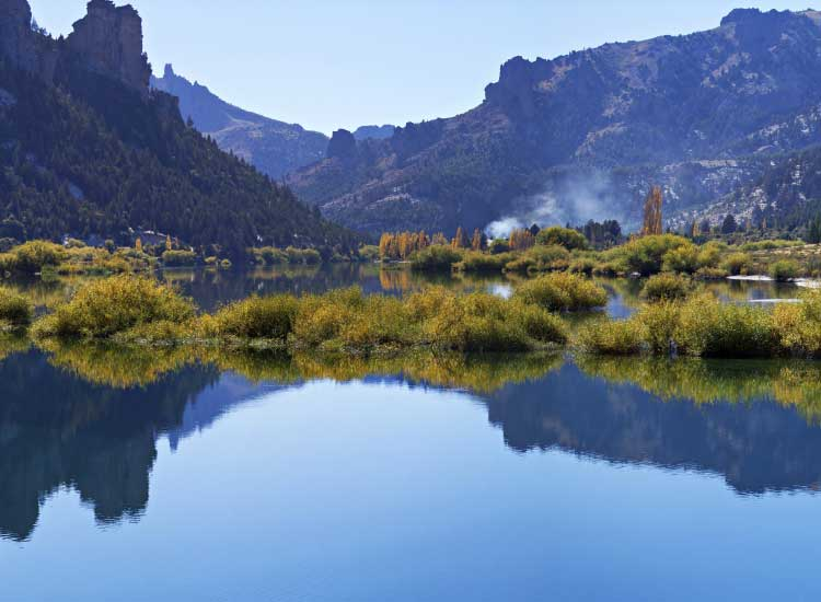 Argentina offers unspoiled nature in Bariloche. // © 2013 Thinkstock