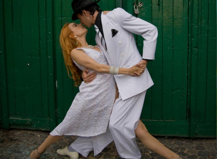 Visitors can learn how to tango in Argentina. // © 2015 Thinkstock
