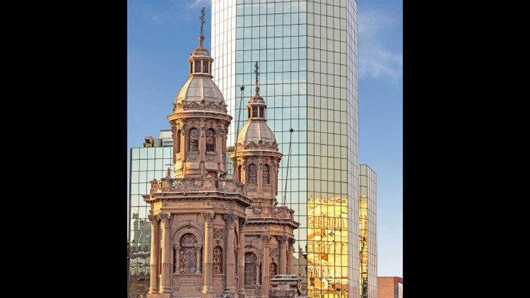 Most international visits include time in Santiago, Chile's modern capital. // © 2017 Getty Images