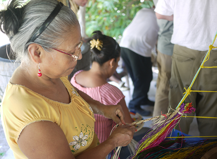 Artisans in a local village near the resort weave traditional Panamanian crafts. // © 2015 Terra Judge