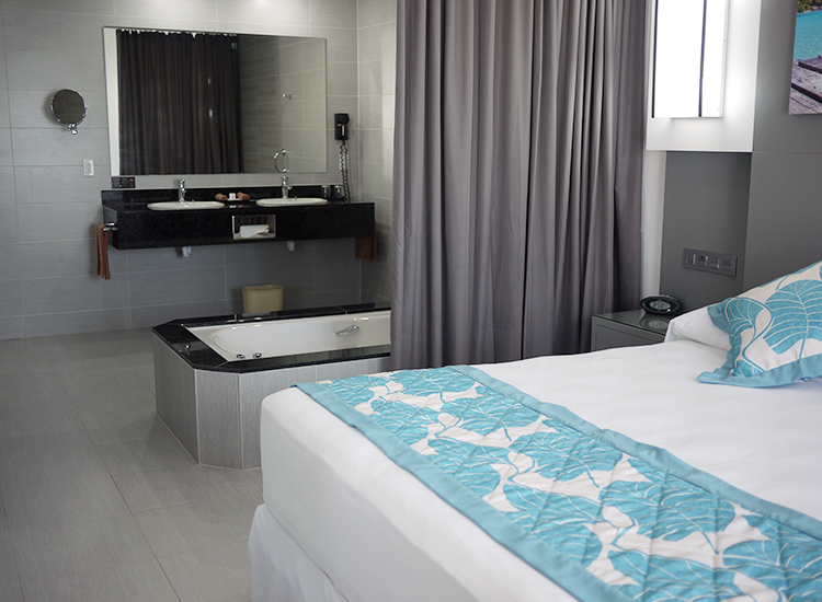 All rooms at the recently opened 573-room Hotel Riu Playa Blanca in Panama have niceties such as a minibar, a liquor dispenser, a balcony or a terrace and more. // © 2015 Terra Judge