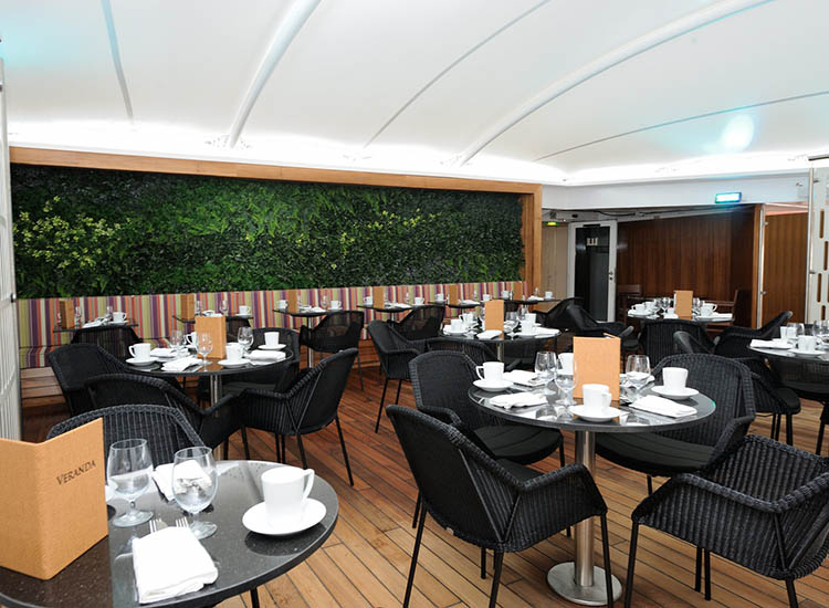 Another dining option is Veranda. // © 2016 Windstar Cruises