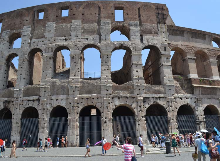 Cruisers will see plenty of iconic sites on a free day in Rome. // © 2013 Skye Mayring