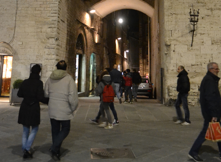Strolling Perugia before dinner at a Slow Food-approved restaurant. // (c) 2013 Mindy Poder