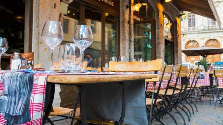 A cafe in Lyon, one of France's major foodie cities // © 2015 iStock