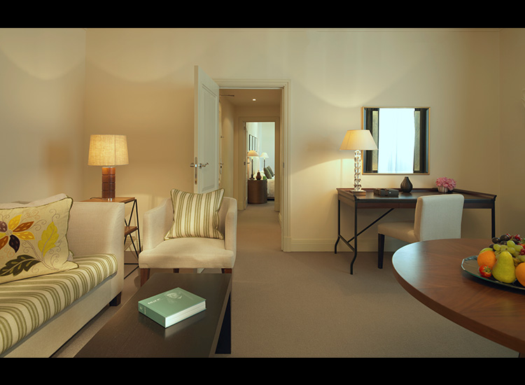 Classic Suites feature an entrance hallway with a separate living room. // © 2016 Hotel Amigo