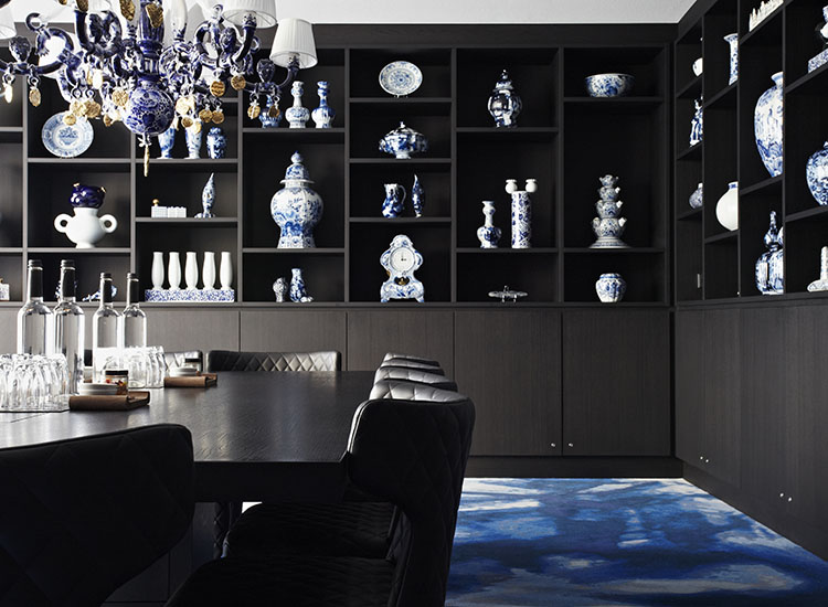 The Delft Blue room can be reserved for private dinners, meetings and other occasions. // © 2016 Andaz Amsterdam, Prinsengracht
