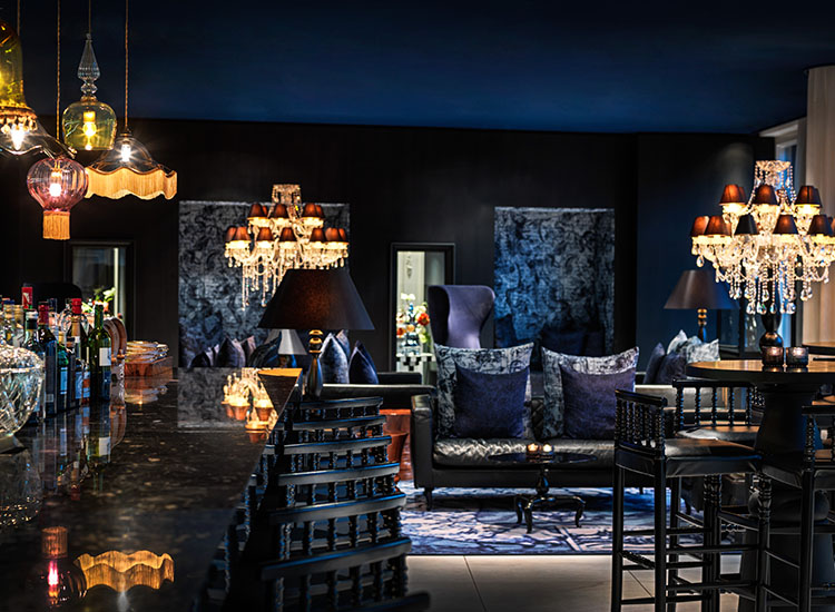 Bluespoon Bar overlooks the canal and offers bar food, nonalcoholic drinks such as tea, craft cocktails and more. // © 2016 Andaz Amsterdam, Prinsengracht