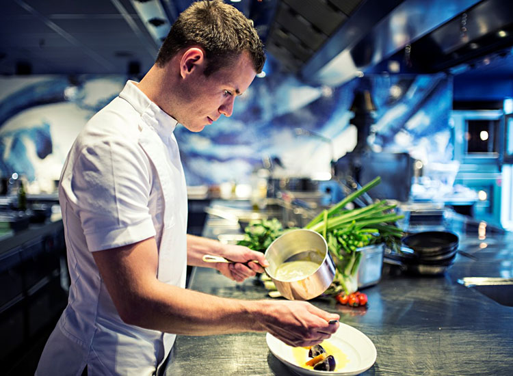 Respected Dutch chef Kasper Stiekema is the head of Bluespoon's kitchen. // © 2016 Andaz Amsterdam, Prinsengracht