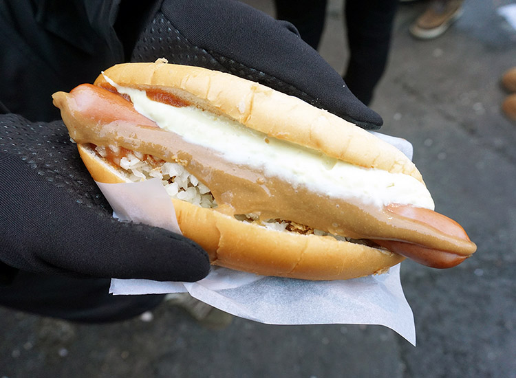 The top food and drink activity in Iceland's capital city, The Reykjavik Food Walk ensures that travelers sample the best local eats, including an Icelandic hot dog. // © 2017 Valerie Chen