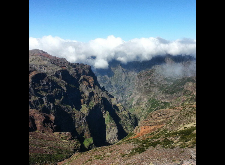 Climb Pico do Arieiro, a hot spot in Funchal. // © 2015 Andrea Campus