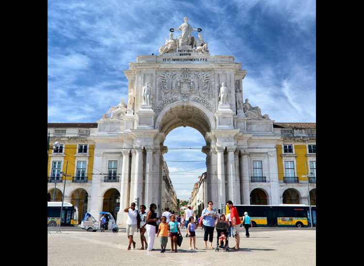 According to Instagram, one of the most popular spots in Lisbon is Praca do Comercio. // © 2015 Instagram user thomasbilleskovpoulsen