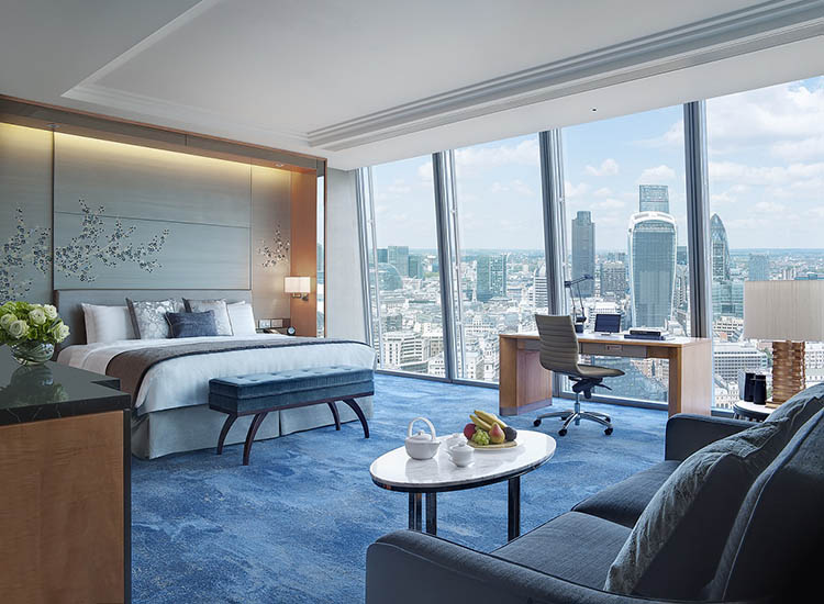 All rooms and suites at Shangri-La Hotel, At The Shard, London feature floor-to-ceiling windows, a distinguishing feature of the luxury property. // © 2017 Shangri-La Hotel, At The Shard, London