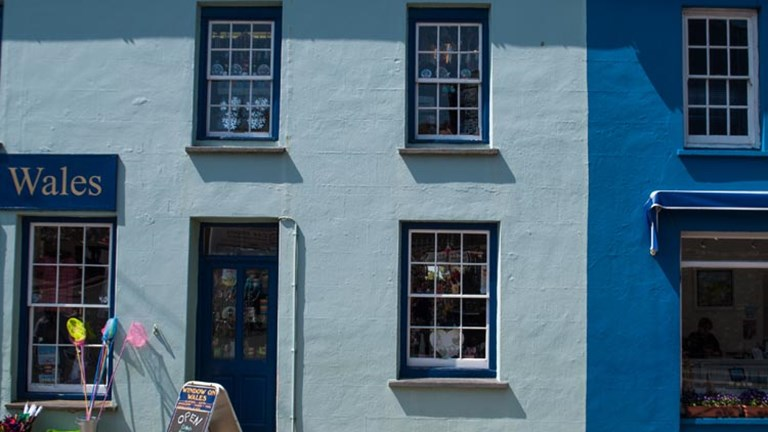 A small town, St. David's offers a selection of shops and restaurants. // © 2014 Mindy Poder