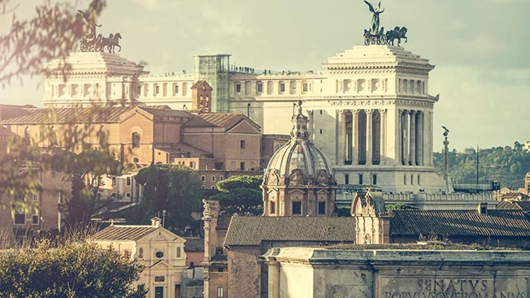 The Altare della Patria stands tall above Piazza Venezia and is accessible with panoramic lifts. // © 2017 iStock