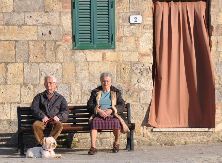 Couple in Monteriggioni, Italy, Third Place, 2014 TravelAge West reader photo contest // © 2014 Laurel Leidner
