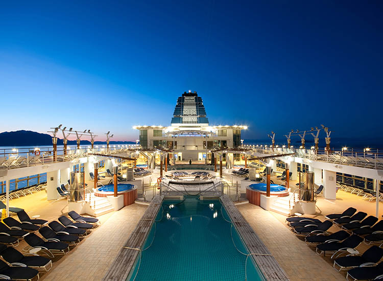 Desire Cruises provides themed nights and onboard playrooms during its trips around Europe. // © 2017 Desire Cruises