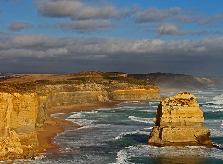 The 12 Apostles is just one sight to see along the 151-mile Great Ocean Road in Victoria, Australia. // © 2017 Wikimedia Commons