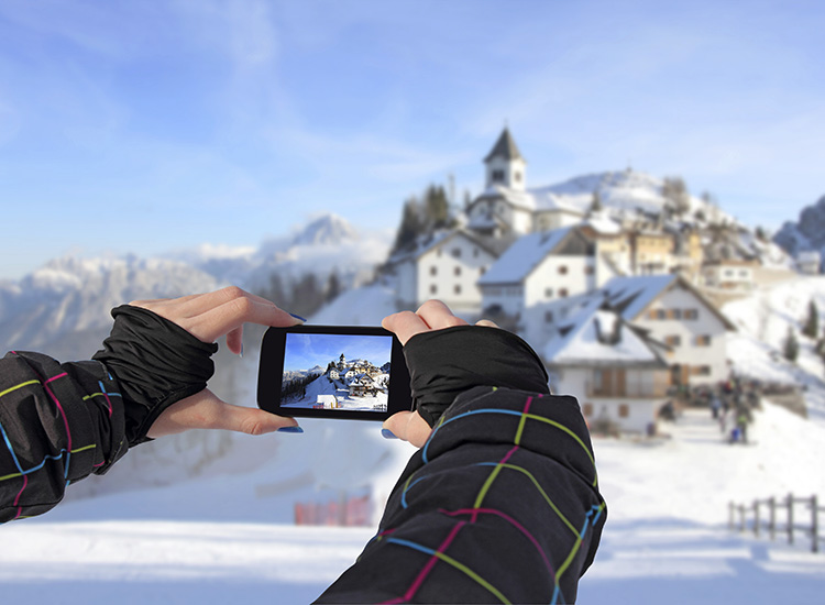 Travel agents can use Instagram, an increasingly popular app for sharing photos and videos, to their businesses' advantage. // © 2015 Thinkstock