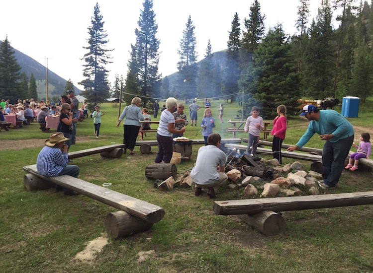 On Wednesdays during the summer, the ranch hosts its popular Chuckwagon Riverside Barbecue event, complete with an open bar, outdoor games and all-you-can-eat s'mores. // © 2015 Chelsee Lowe