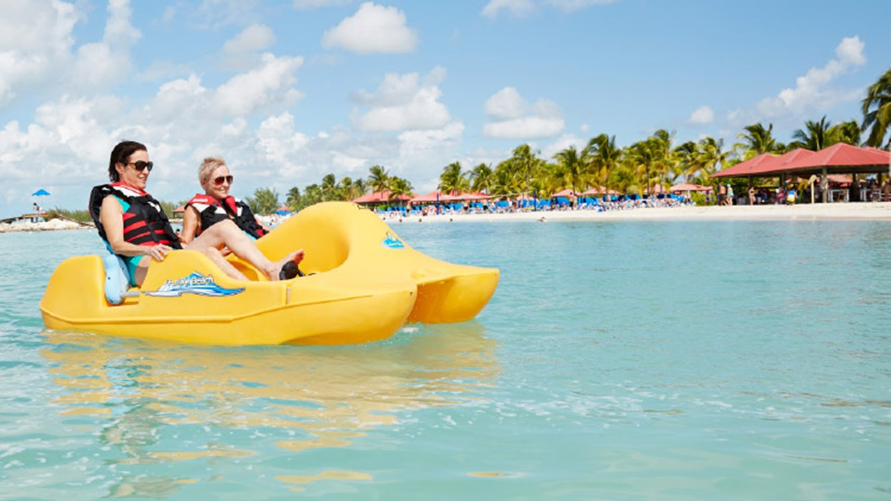 Guests can do a variety of watersports at Princess Cays. // © 2018 Princess Cruises