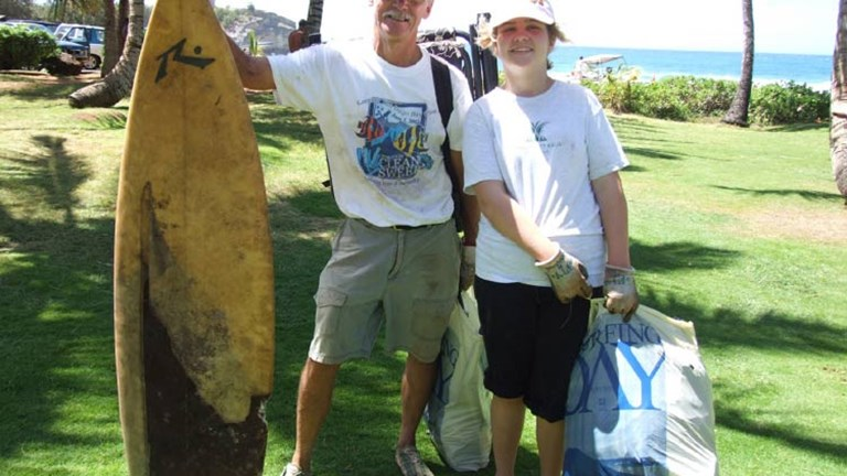 Hotels invite guests to protect the environment during beach clean-up days. // © 2014 Grand Hyatt Kauai
