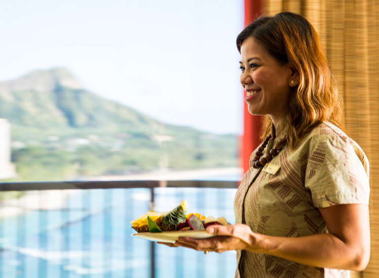 For 70 years, Outrigger Hotels has wowed guests with its focus on Hawaiian hospitality, including the Waikiki Beach Diamond Head ocean suite experience. // © 2017 Outrigger Hotels and Resorts