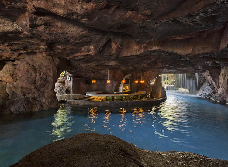 4 Maui Pools With Swim Up Bars Travelage West