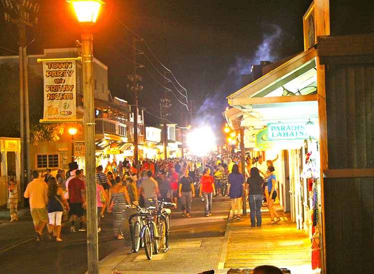 Among the reasons to visit Lahaina are Maui Friday Town Parties, free weekly festivals that rotate from Wailuku, Lahaina, Makawao and Kihei. // © 2014 Maui Fridays