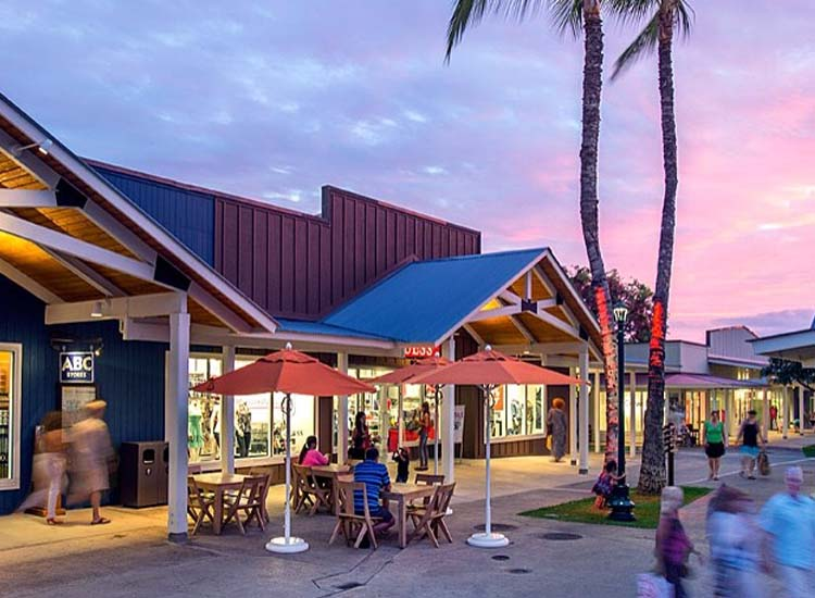 The Outlets of Maui is home to more than 30 brand-name retail stores, including Coach, Michael Kors and Tommy Hilfiger. // © 2014 The Outlets of Maui