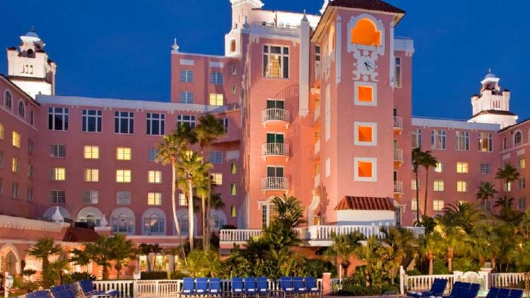Loews Don CeSar Romantic Sunset Sailing Package // © 2014 Loews Hotels and Resorts