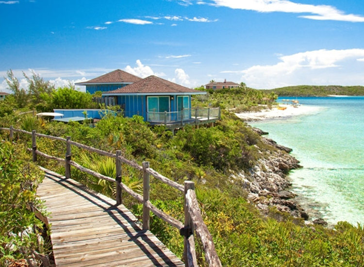 The Seabreeze Villa at Fowl Cay Resort in the Bahamas // © 2016 Fowl Cay Resort