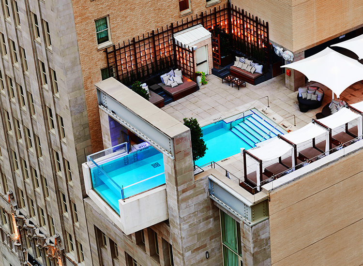 In Dallas, guests at The Joule Hotel take in fantastic city views. // © 2016 The Joule Hotel