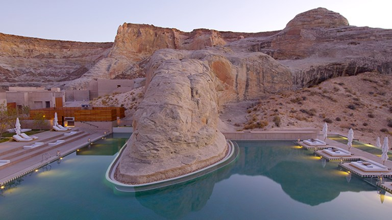 Jaw-Dropping Hotel Pools 8