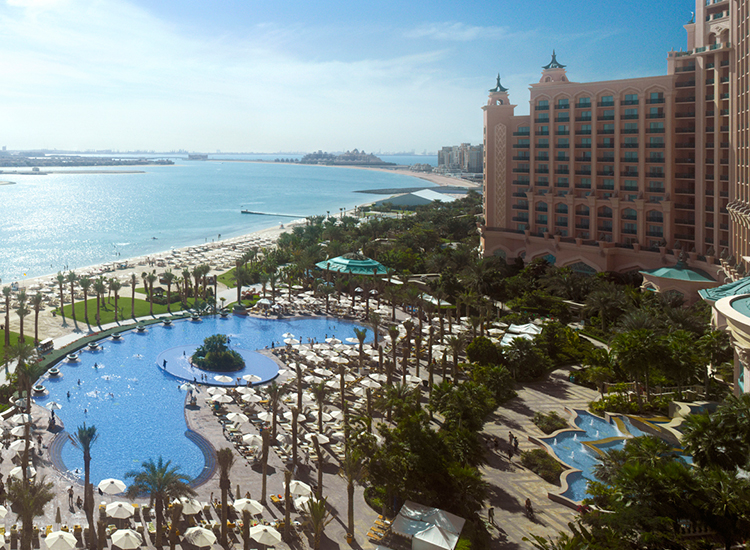 At Atlantis, The Palm's pool, guests enjoy unobstructed views of Dubai's cityscape. // © 2016 Atlantis, The Palm