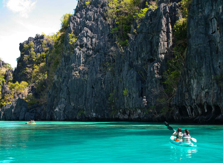 El Nido Resorts' four locations each operate their own sewage treatment plant to ensure no raw sewage is expelled into the sea. // © 2017 iStock