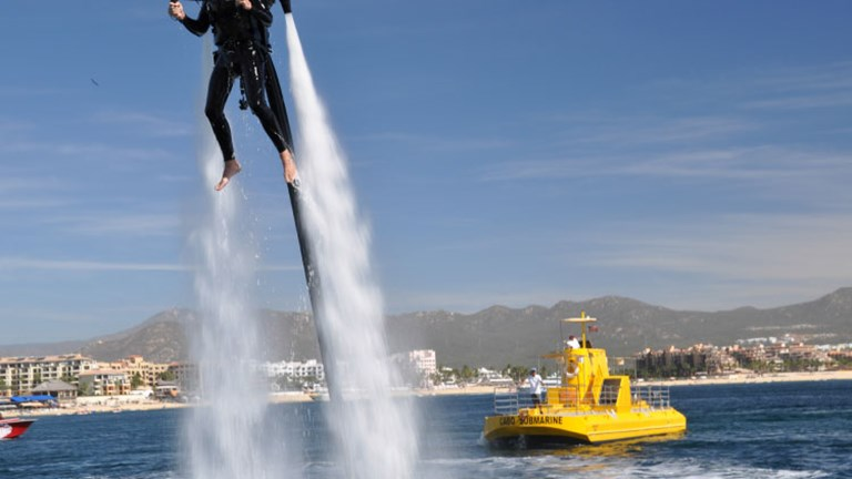 In Los Cabos, there is the opportunity to try a jet pack // © 2014 Cabo Jet Pack