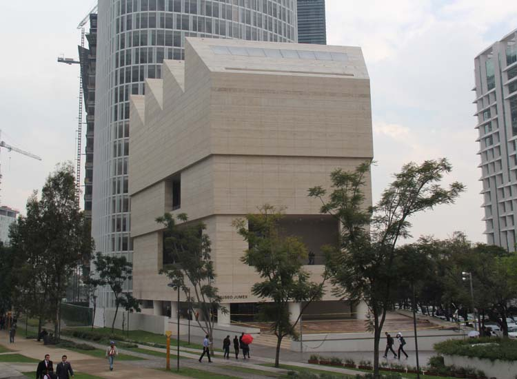 Museo Jumex was completed in 2013 and features international art collected by Eugenio Lopez Alonso, heir to the Jumex juice empire. // © 2014 Mark Chesnut