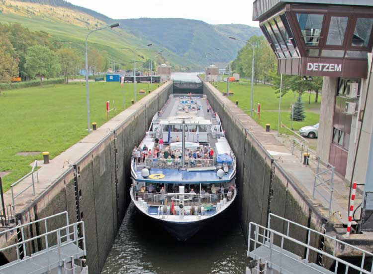 The Avalon Luminary passing through locks on the Moselle River // (c) 2014 Avalon Waterways
