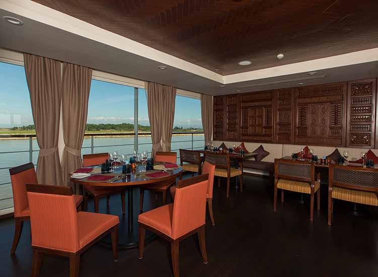 The dining room is where all meals are served on Avalon Myanmar. // © 2016 Avalon Waterways