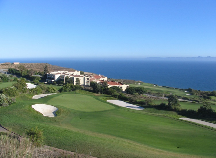 Golf enthusiasts can enjoy a visit to the luxurious, 18-hole Trump National Golf Club in Palos Verdes. // © 2014 Creative Commons user crackerbunny