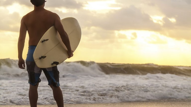 In remote areas, visitors can have the unique experience of being the only surfer on the water. // © 2014 Thinkstock