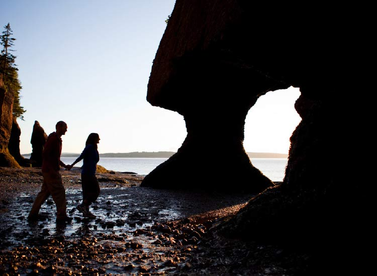 The Bay of Fundy at low tide is a unique setting for a hike. // © 2015 Tourism New Brunswick