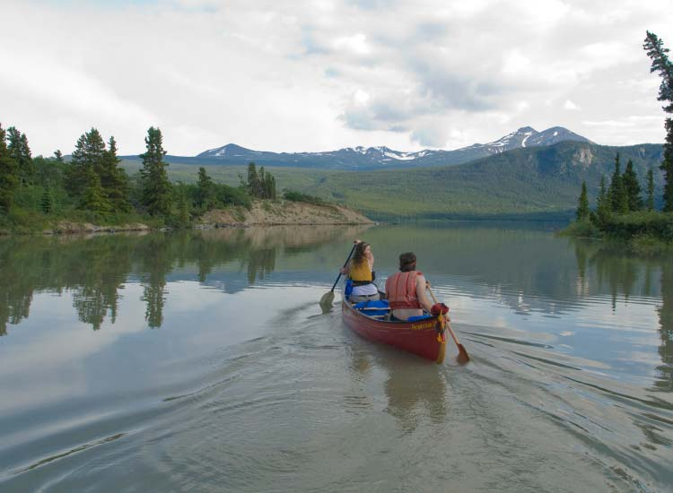 Visitors to the Yukon can try canoeing. // © 2015 Arctic Haven