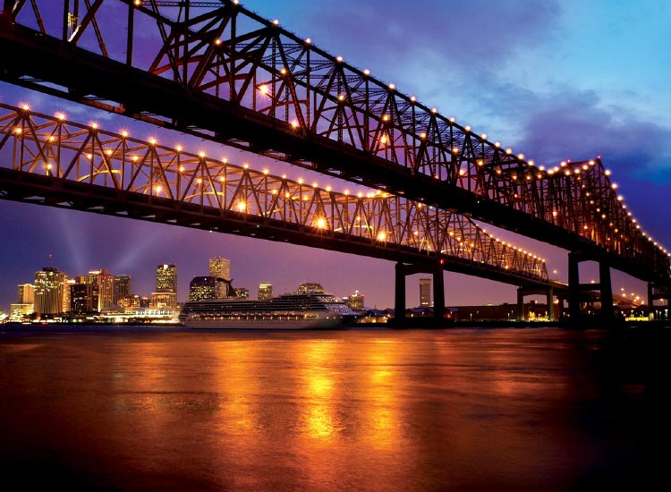 New Orleans has become a major cruise port. // © 2015 Richard Nowitz