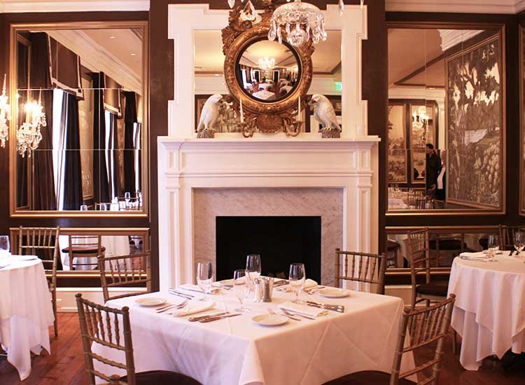 The Olde Pink House is set in an 18th century mansion and serves Southern dishes with a sophisticated touch. // © 2014 Nila Do Simon