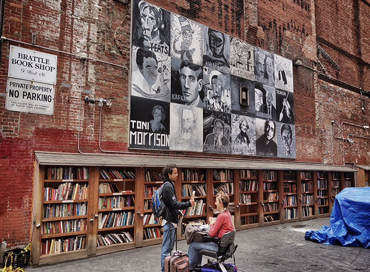 Brattle Books is a haven for bibliophiles. // © 2015 Creative Commons User robef