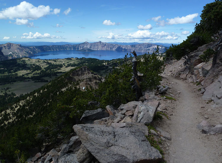 The Mount Scott trail takes hikers up to 9,000 feet to the summit of Mount Scott, an ancient and extinct volcano. // © 2016 Creative Commons user sfgamchick